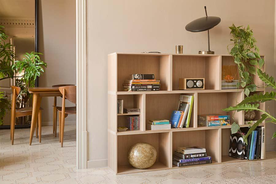 Mueble formado por módulos BrickBox Oak